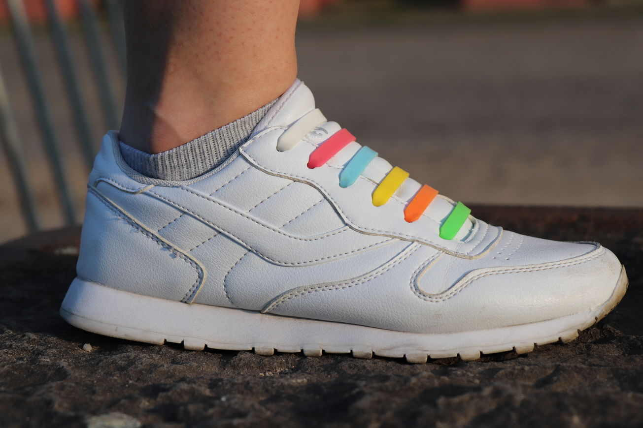 White Sneakers with colourful shoelaces